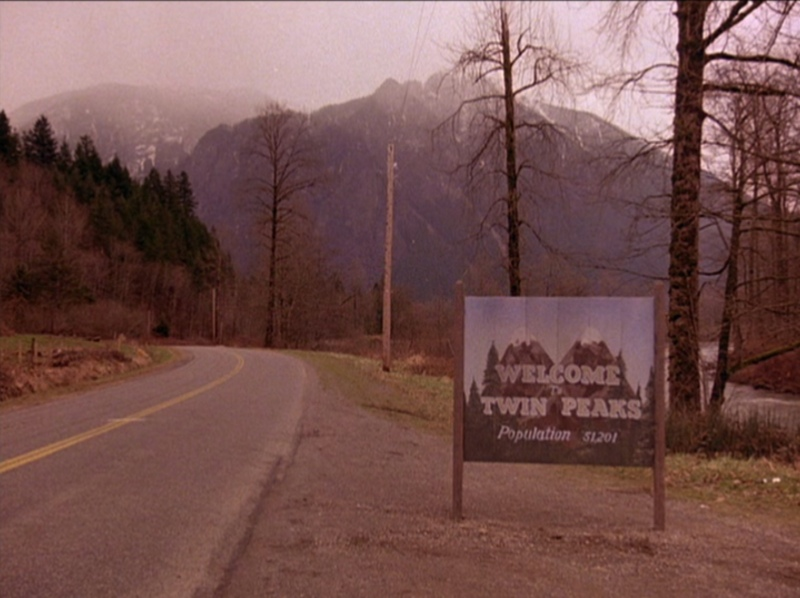 Angelo Badalamenti regressa a «Twin Peaks». David Lynch filma 18 episódios